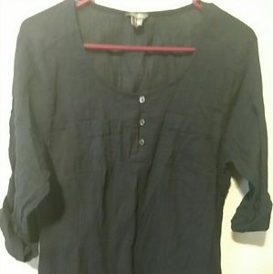 Woman's 3 button front top